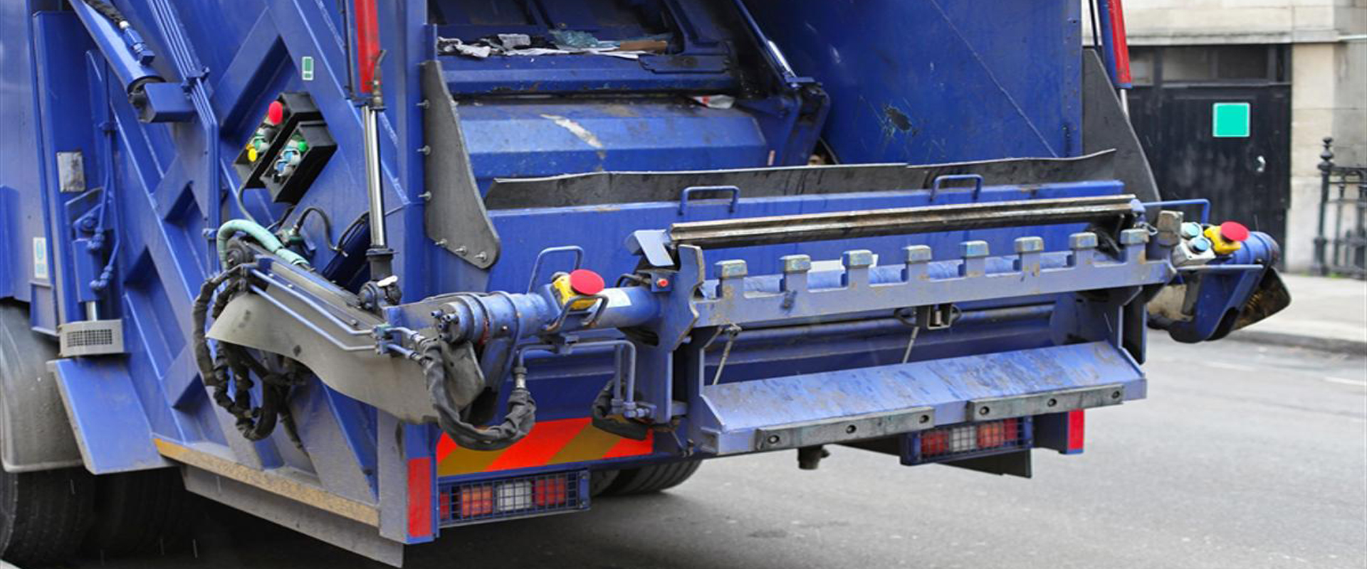 Fleet Washing Services Company for Garbage Trucks Commercial Trucks St Louis MO_Slider